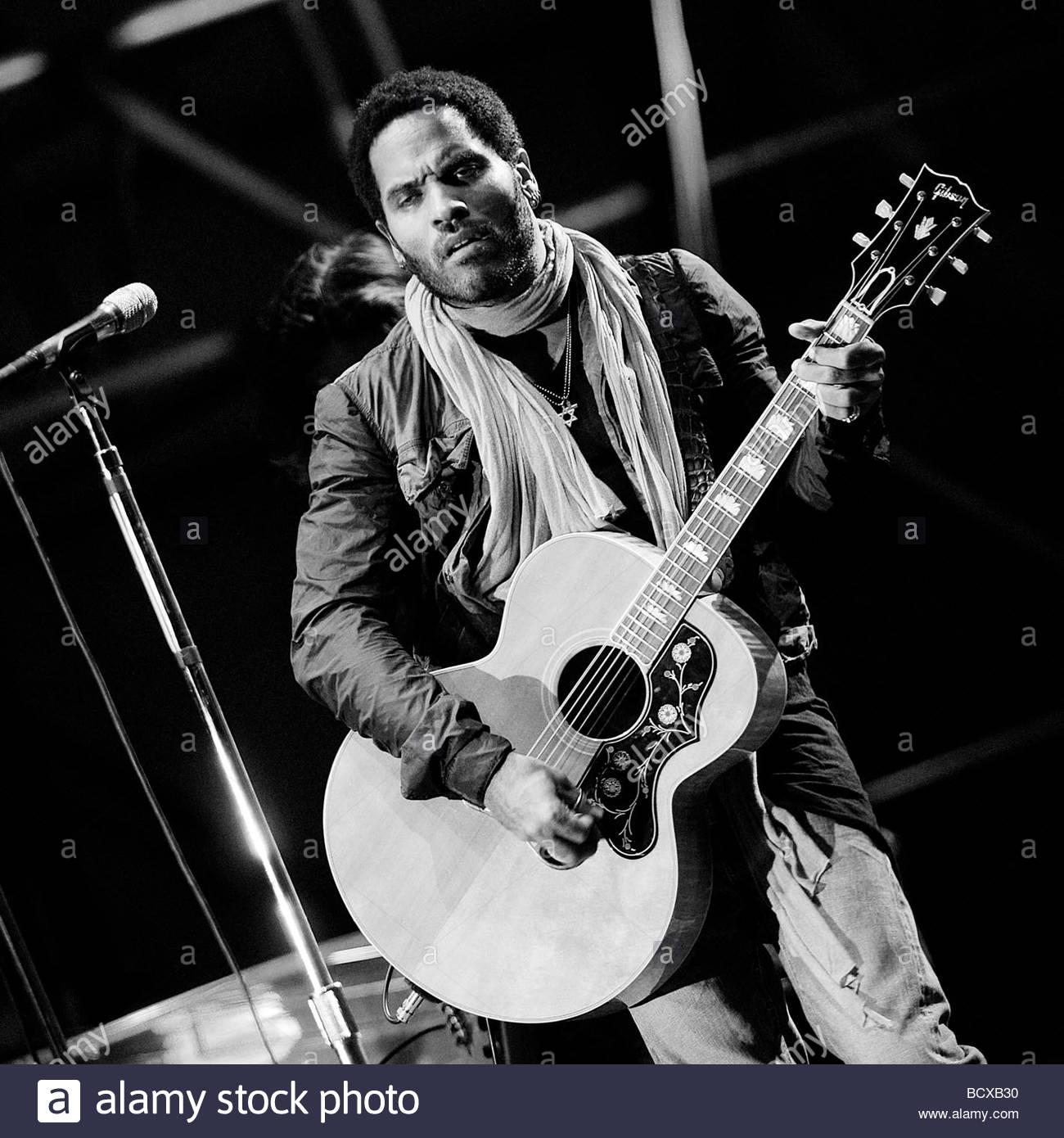 Lenny kravitz in concert torino 2009 stock image