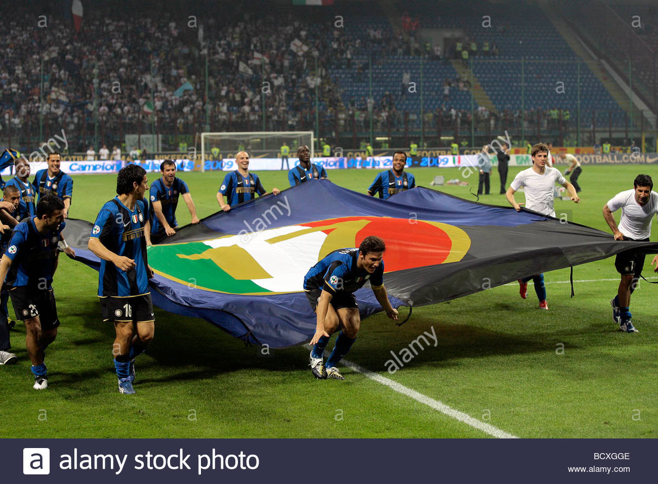 inter players celebrating the scudetto, milano 2009, serie a football championship 2008-2009, inter-siena 3-0 - Stock Image