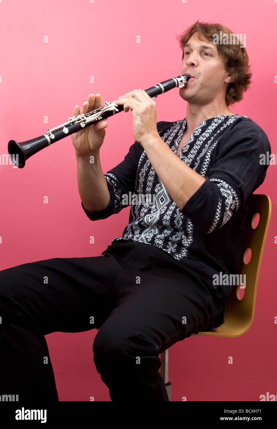 A photograph of Joël JORDA clarinettist playing his instrument. Portrait du clarinettiste Joël JORDA jouant - Stock Image
