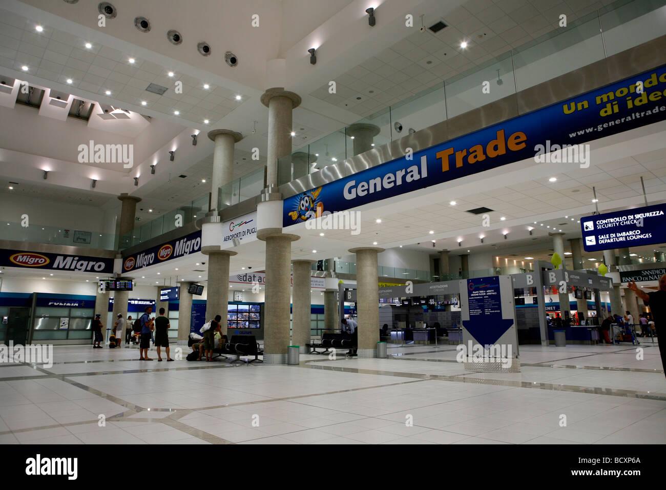 Aeroporto Bari : Aeroporto di bari stock photos aeroporto di bari stock images