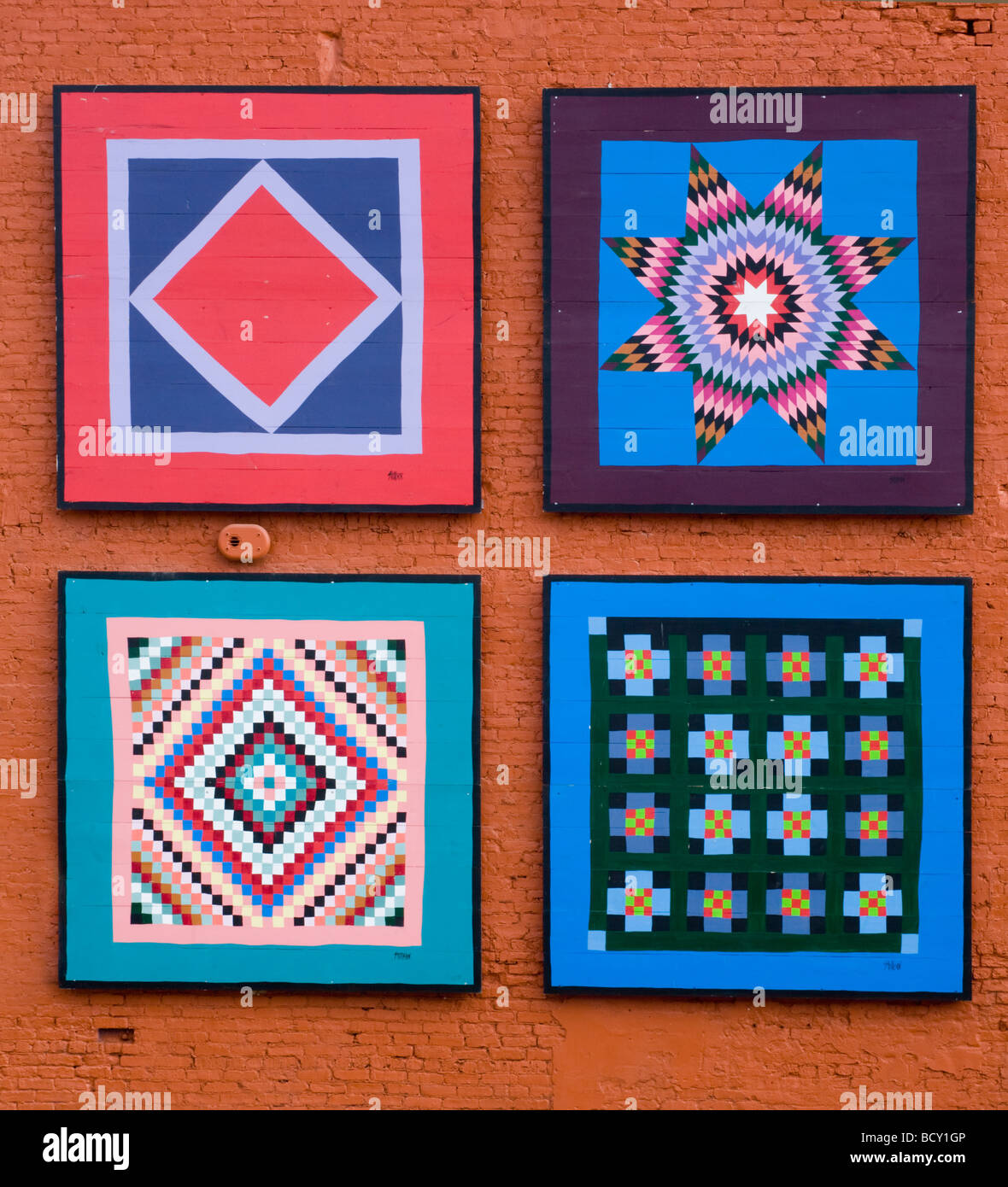 Painted quilt squares Neppanee Indiana part of quilt garden tour - Stock Image