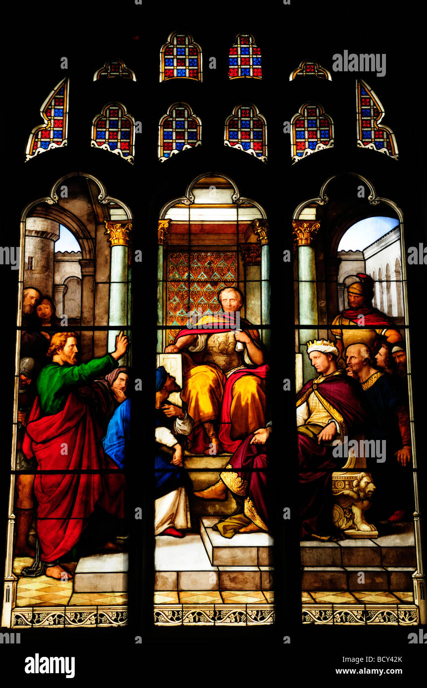 Stained Glass Window in Peterhouse College Chapel, Cambridge England UK - Stock Image