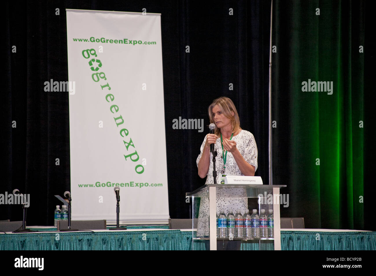 Mariel Hemingway speaking at the Go Green Expo, January 24 2009, Los Angeles Convention Center - Stock Image