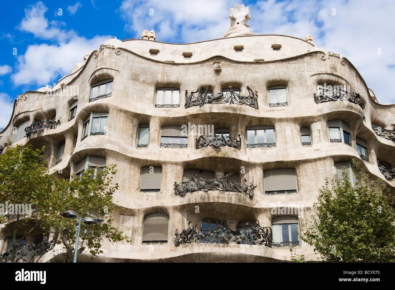 Casa mila or la pedrera patio antonio gaudi architect eixample stock photo 25199529 alamy - Casa la pedrera gaudi ...