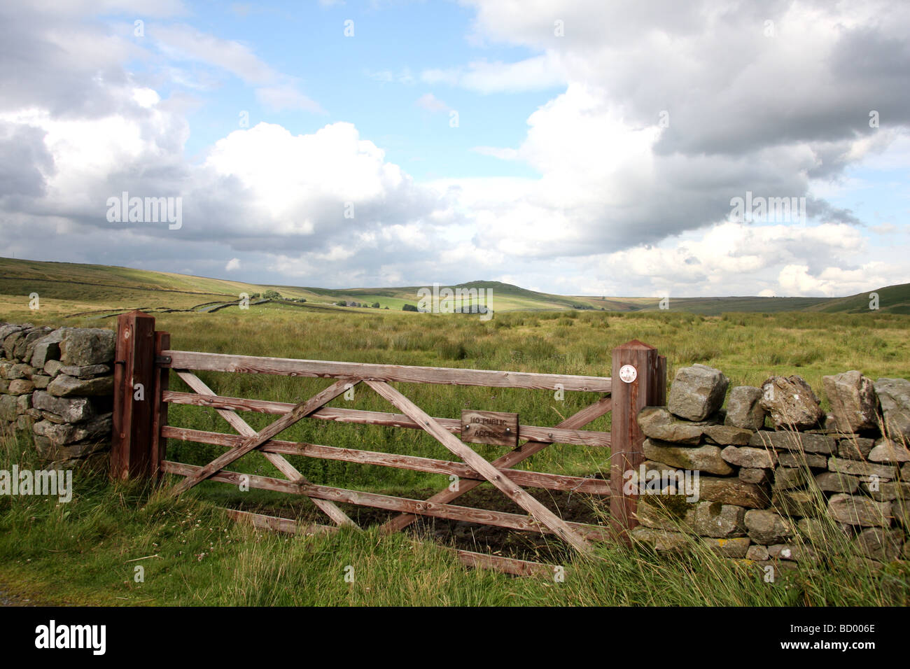 No Public Access sign on wooden 5 bar gate, on moors above Appletreewick, North Yorkshire - Stock Image