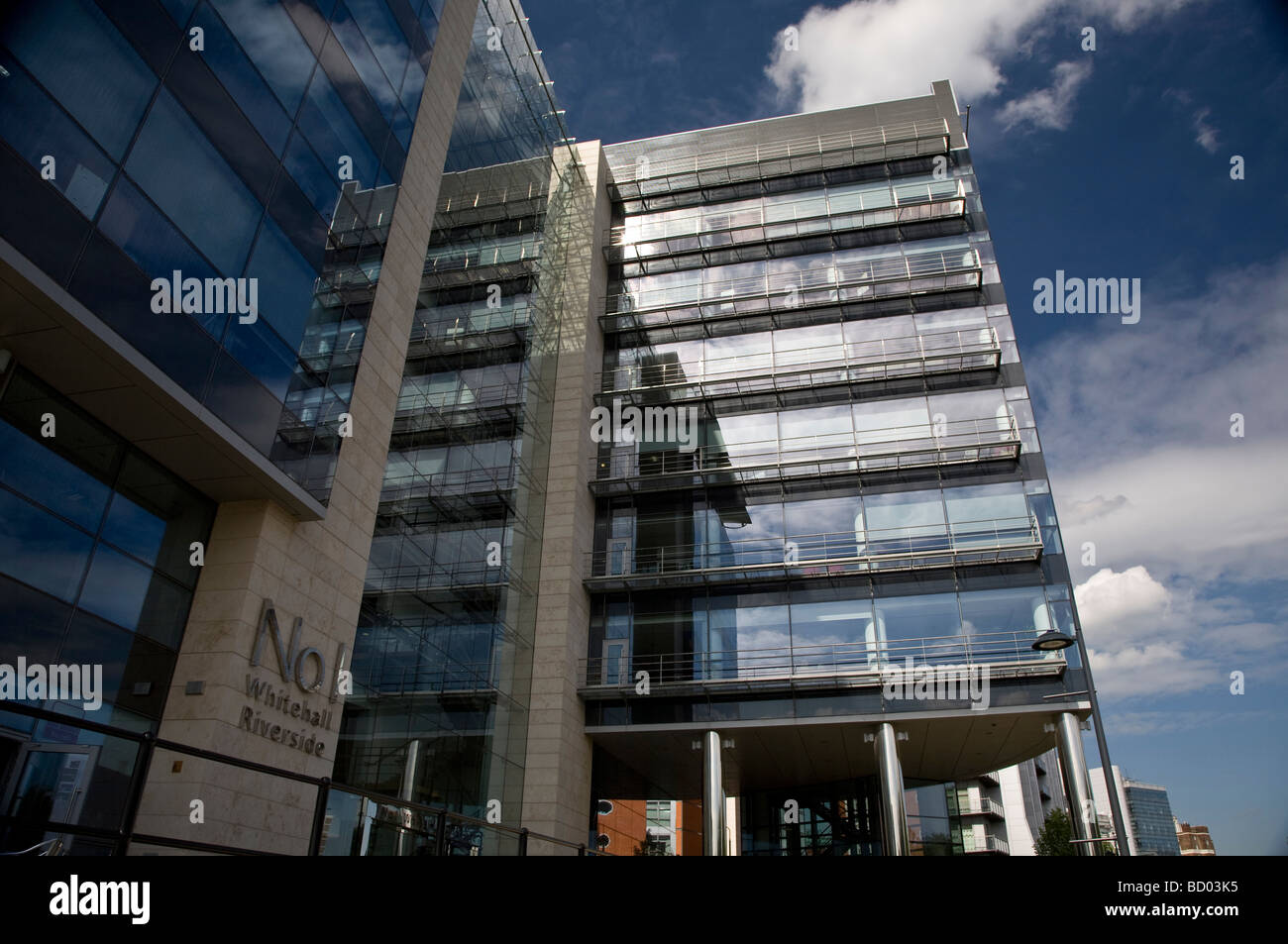 Modern buildings on Leeds Waterfront, offices, cafés, bars and Stock ...