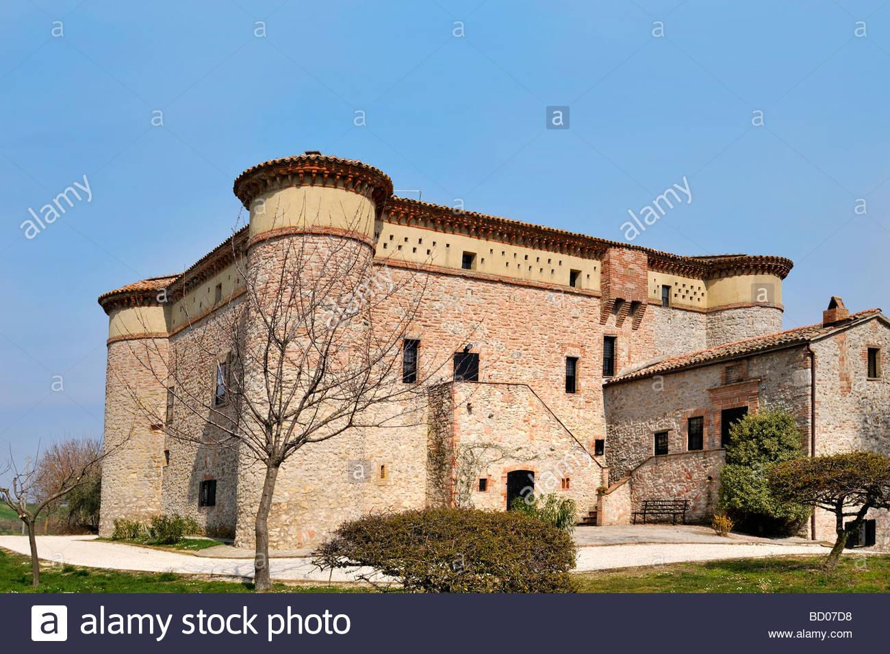 avigliano umbro castello di dunarobba umbria italy