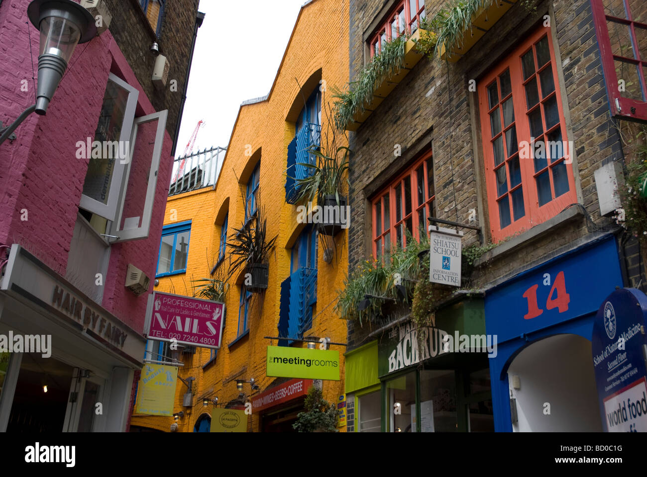 Neals Yard Covent Garden London Stock Photos & Neals Yard Covent ...