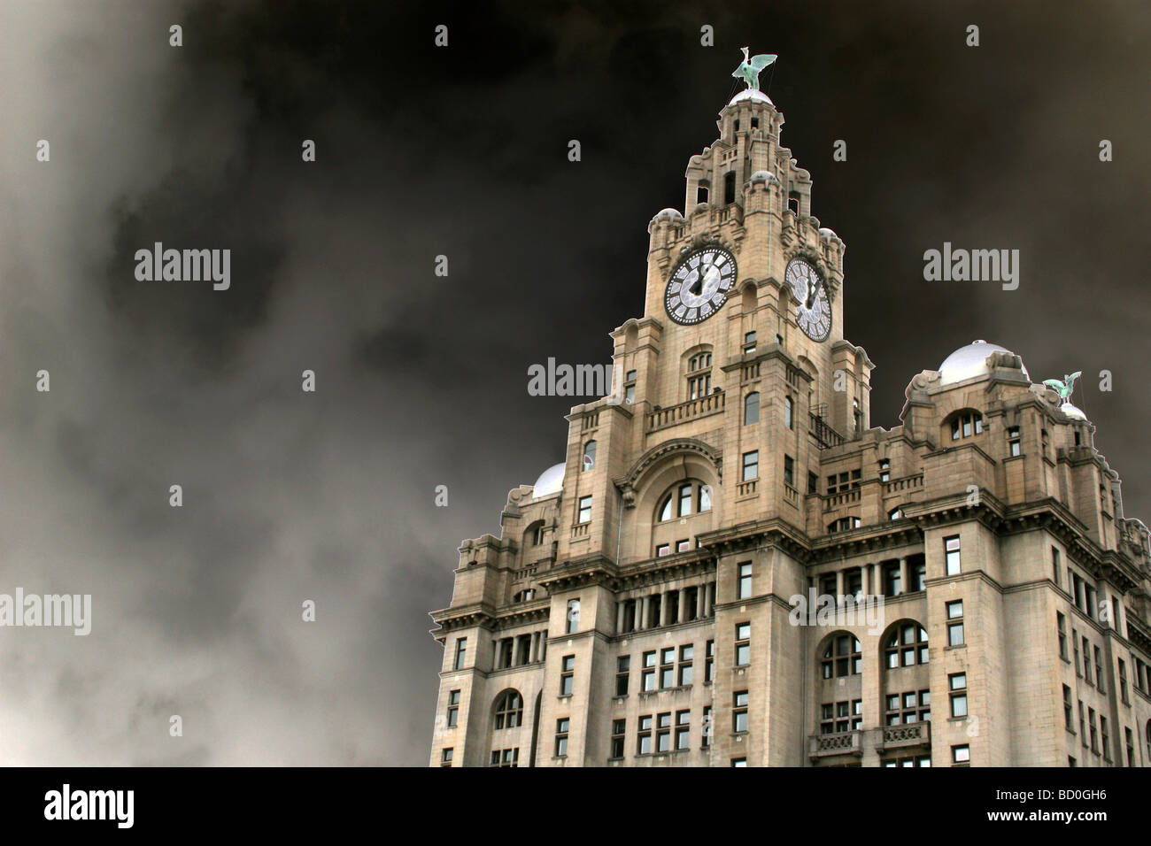 The Royal Liver Building, Pier Head, Liverpool, Merseyside, UK - Stock Image