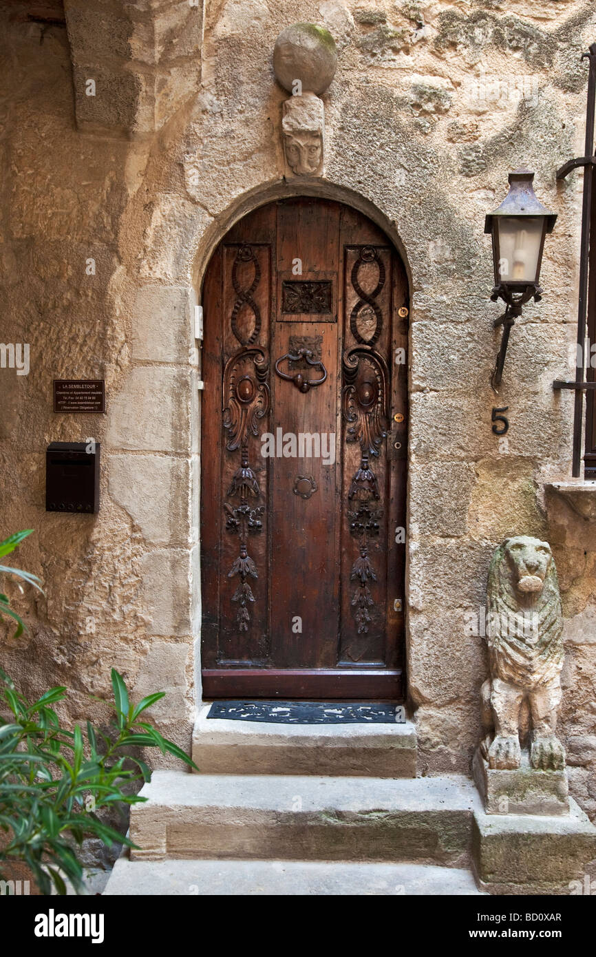Doorway to home in Bonnieux, Provence France - Stock Image