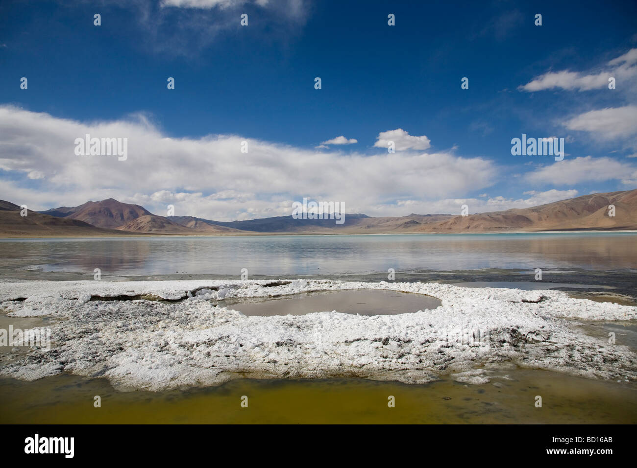 Tso Kar, high altitude brackish lake in the Changthang plateau of Ladakh. Jammu & Kashmir, India. - Stock Image