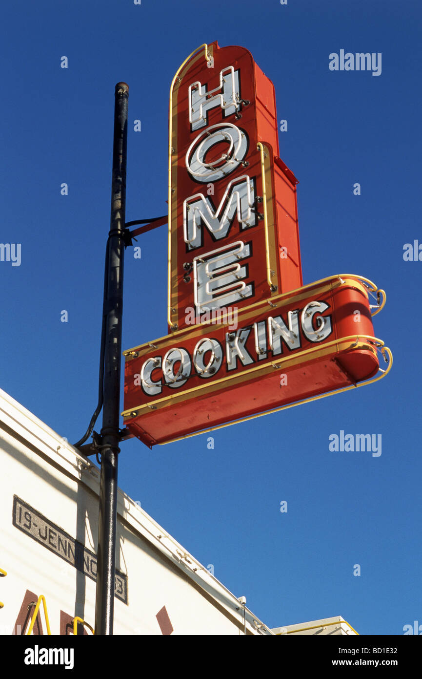 HOME COOKING NEON SIGN in California - Stock Image