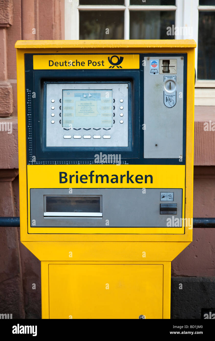Deutsche Post machine selling stamps in Germany Europe - Stock Image