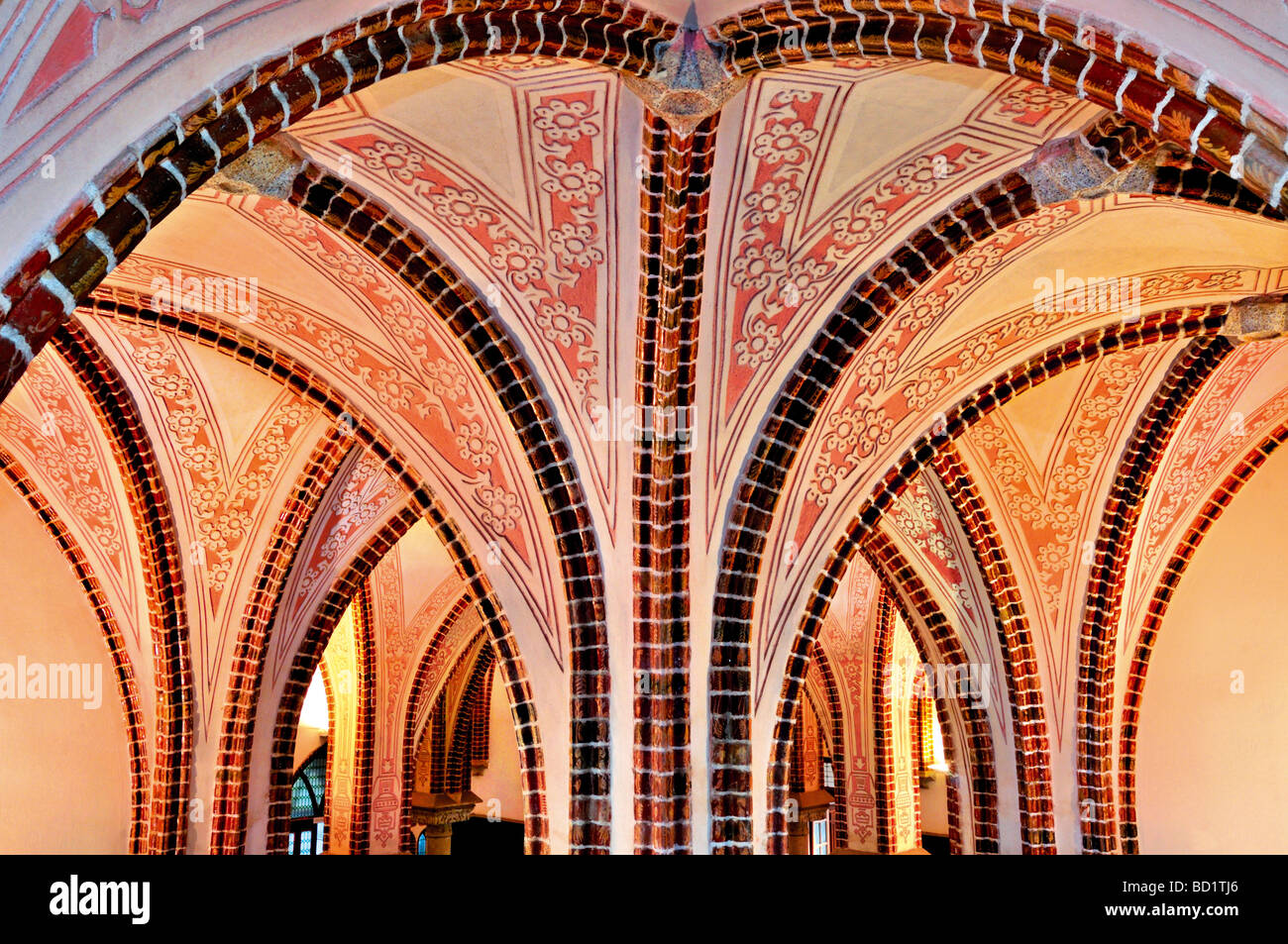 Spain, Astorga: Neo-gothic cross vault in the interior of the Bishop´s Palace by Antonio Gaudí - Stock Image