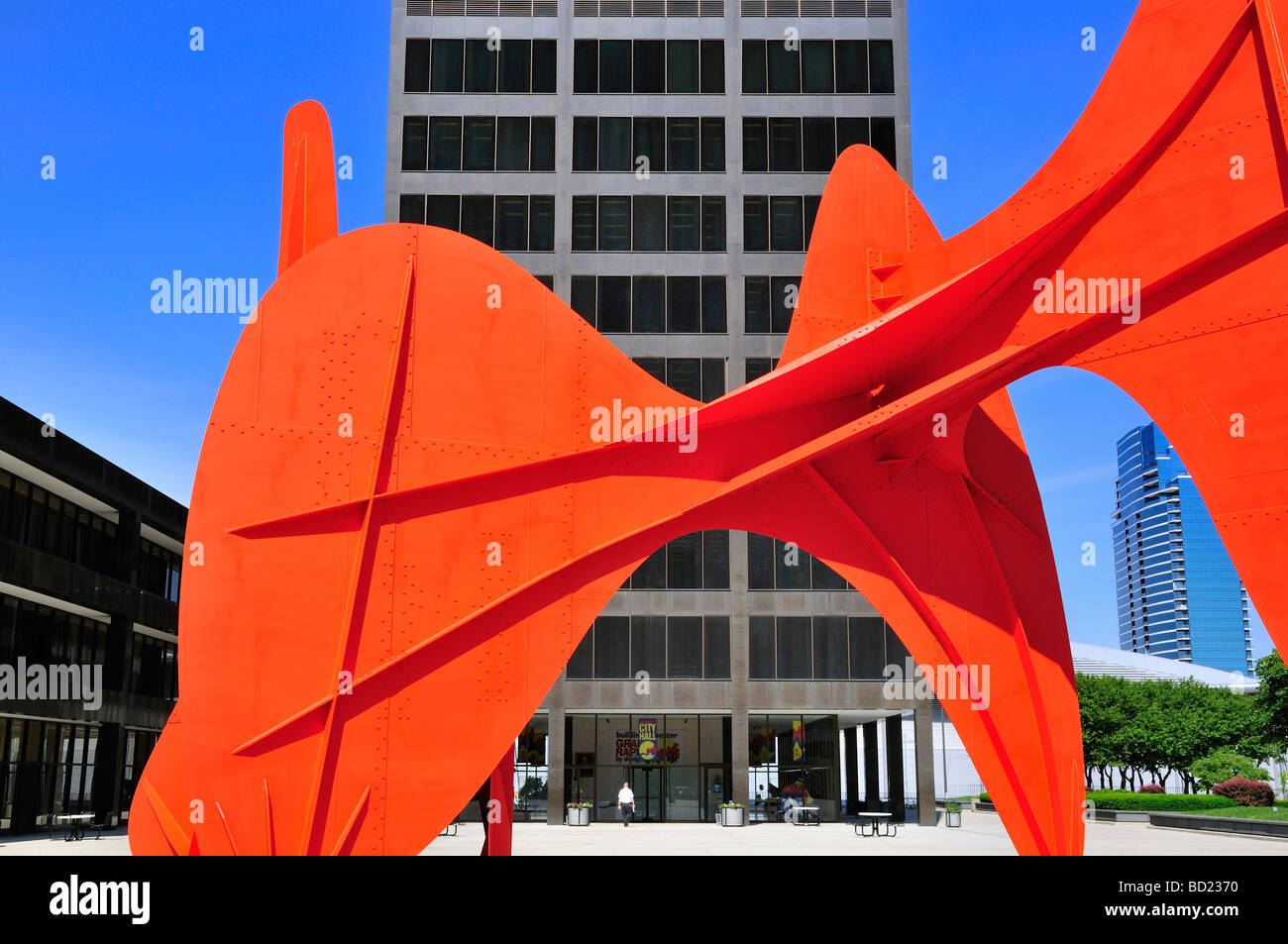 Grand Rapids City Hall on  Calder Plaza. The giant red stabile, La Grande Vitesse was dedicated in 1969 - Stock Image