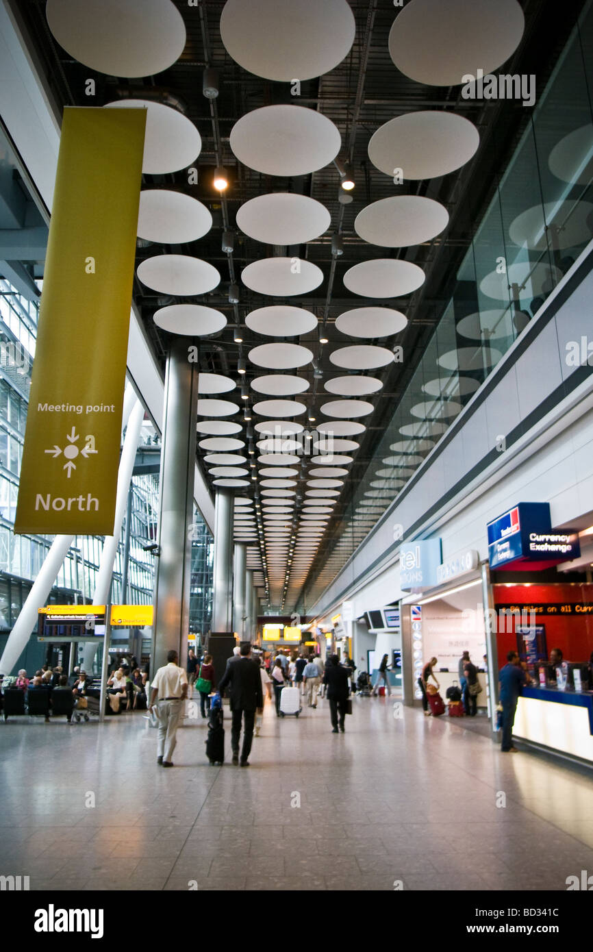 Arrivals Airport Uk Stock Photos Arrivals Airport Uk Stock Images