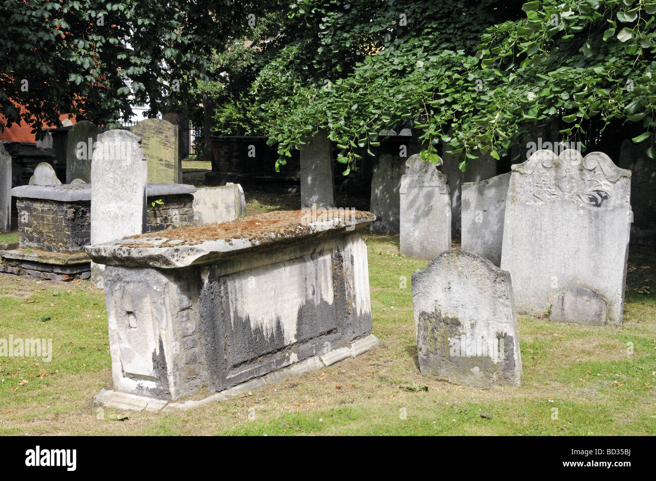 Graves Bunhill Fields burial ground City Road in Islington but run by City of London  London England UK Stock Photo