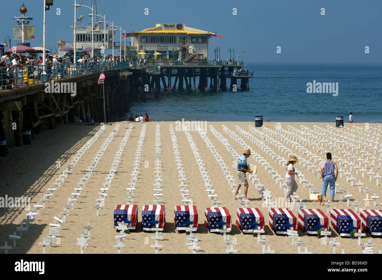 Monument to War Dead at Beach - Stock Image