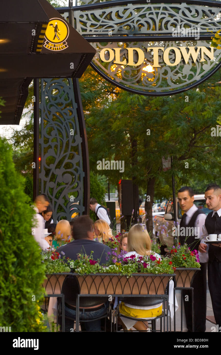 Brasserie in Old Town district of Chicago Illinois - Stock Image