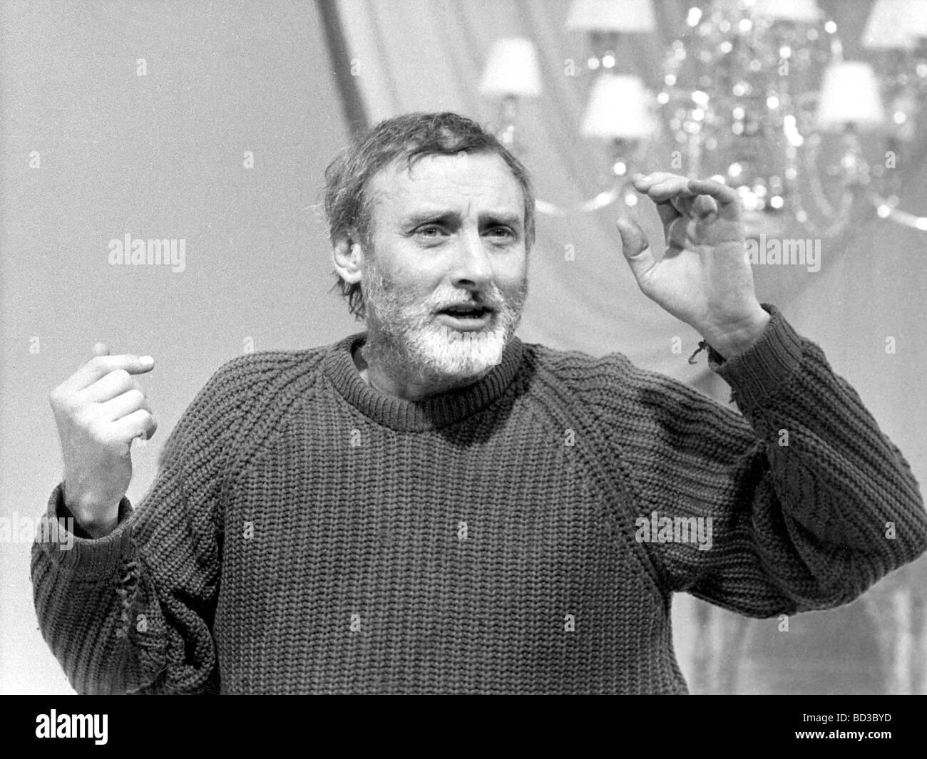 SPIKE MILLIGAN  UK comic actor Stock Photo