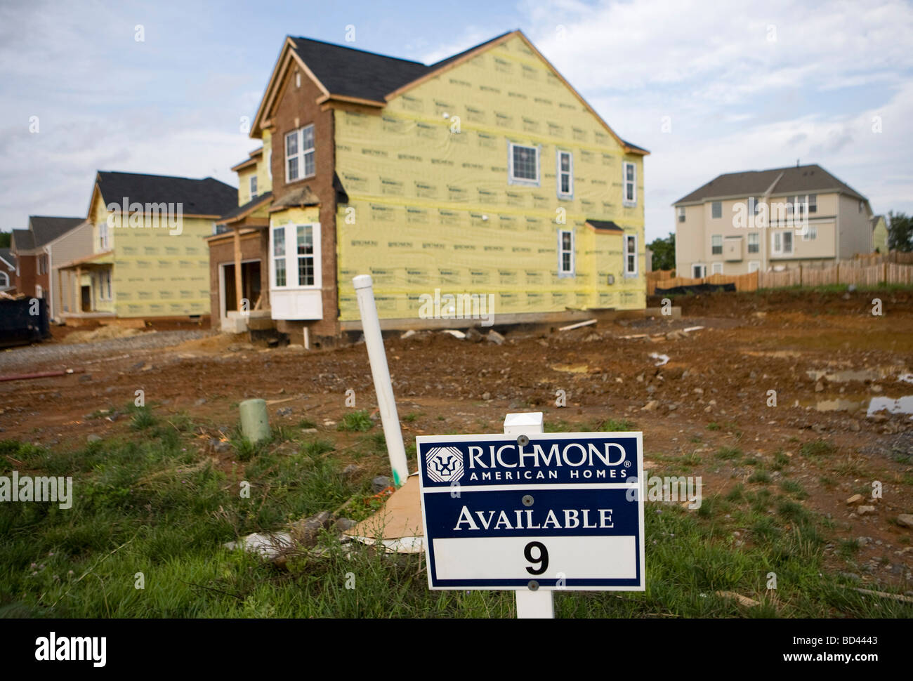 31 July 2009 – Winchester, Virginia – Housing development construction and units for sale in a northern Virginia - Stock Image