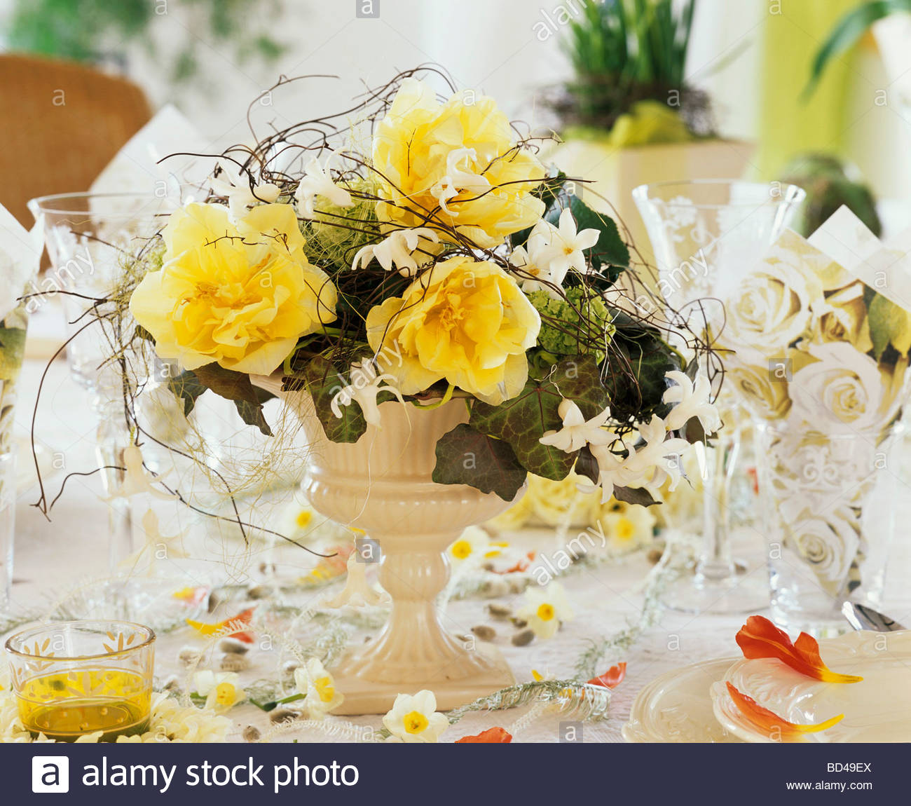 Table decoration with spring flowers stock photo 25296178 alamy table decoration with spring flowers mightylinksfo