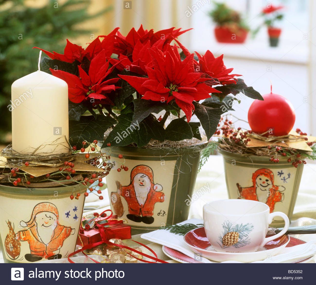 Christmas table decorations poinsettia diepedia