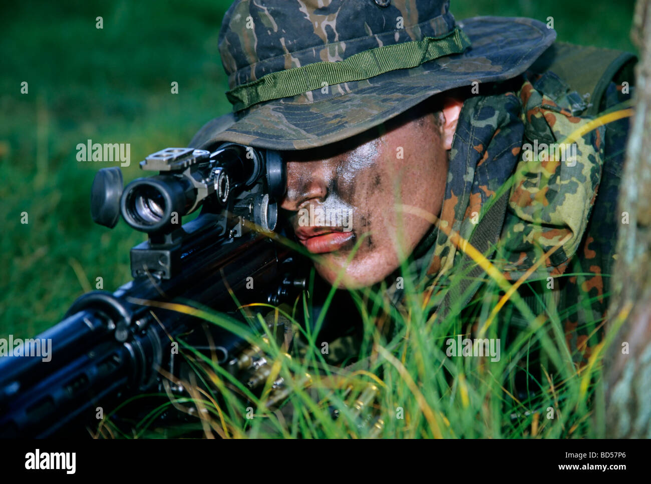 Soldier of the German special forces Kampfschwimmerkompanie in training, sniper with gun G 3 and telescopic sight, - Stock Image