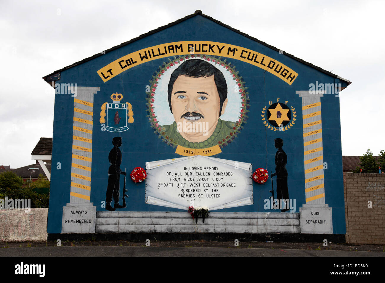 Loyalist mural in the Lower Shankill commemorating William 'Bucky' McCullough,  who was killed by the INLA - Stock Image