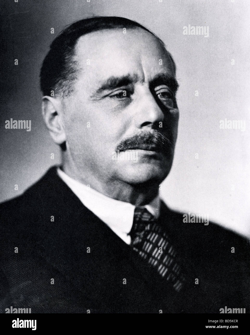 H G WELLS British sci fi writer and historian photographed in 1934 - Stock Image