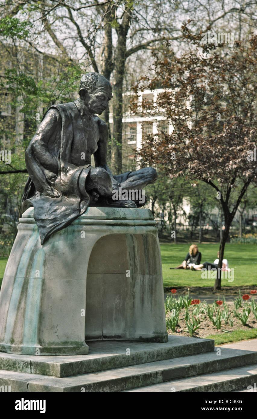 Statue of Mahatma Gandhi in Tavistock Square - Stock Image