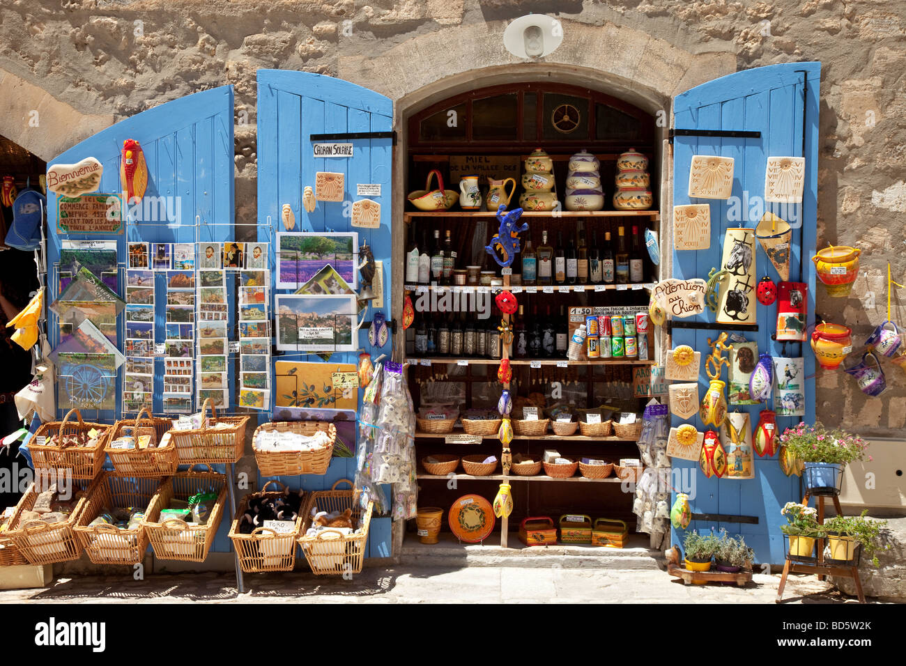 Tourist shop in Les Baux, Provence France - Stock Image