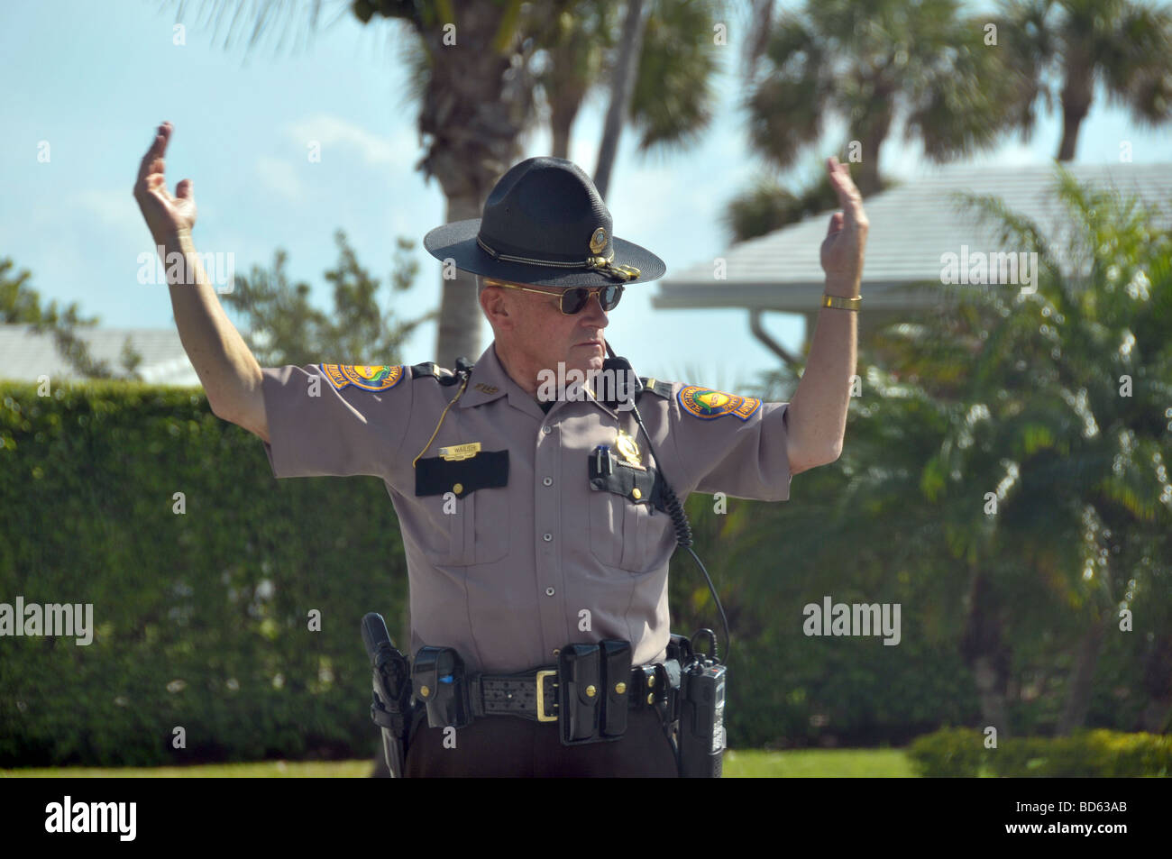 Florida Highway Patrol Traffic >> Florida Highway Patrol Directing Traffic At Accident Site Stock