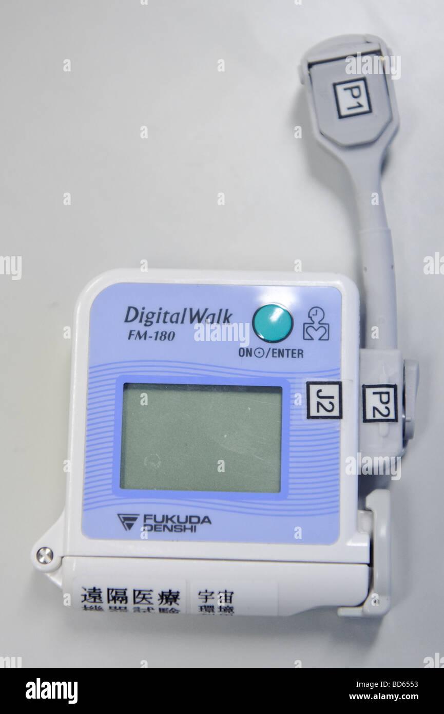 An ECG monitor like that used in experiments Koichi Wakata on the ISS, JAXA facility in Tsukuba Japan, 2 March 2009. - Stock Image