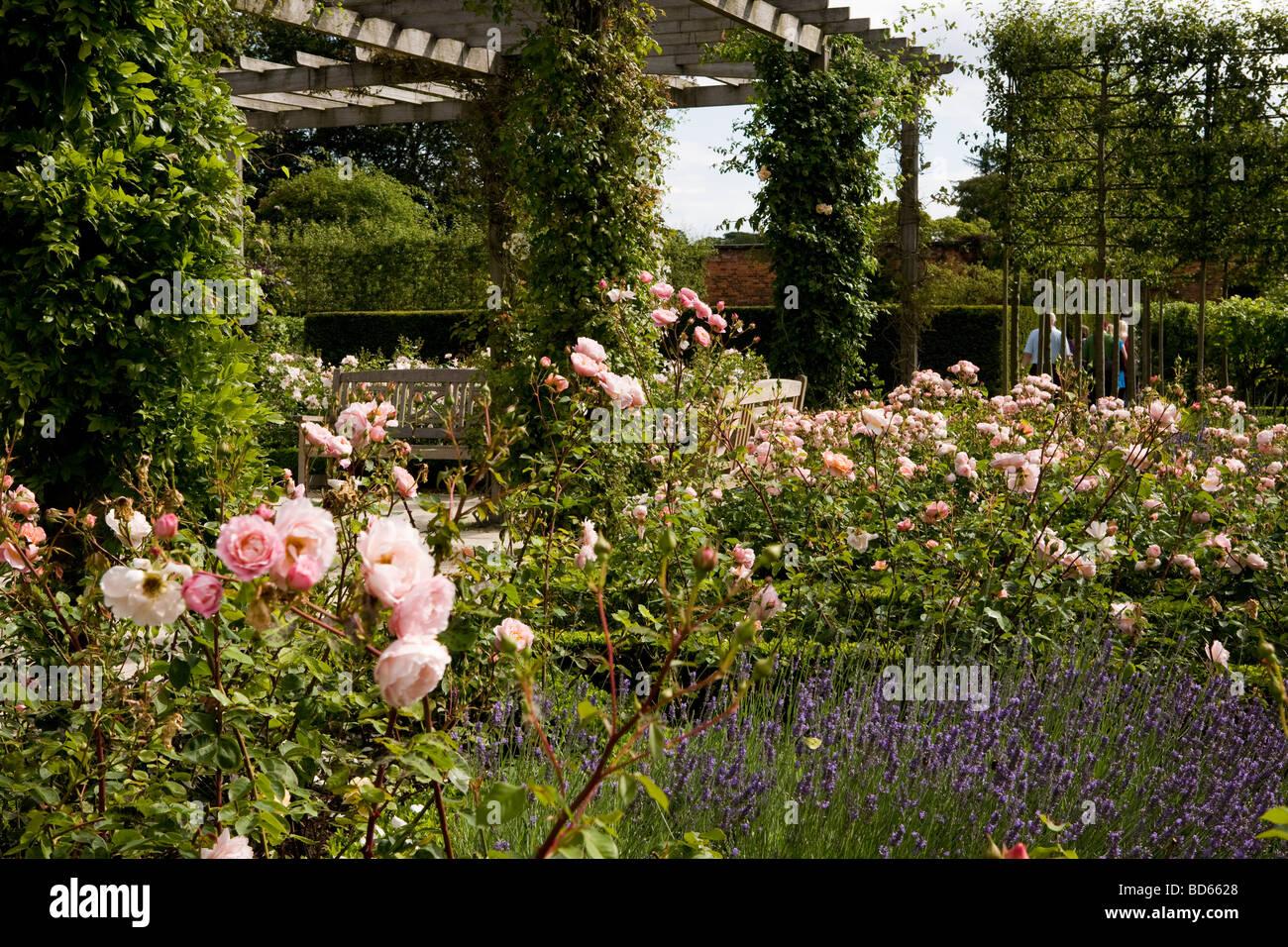 Alnwick Garden Fountain Stock Photos & Alnwick Garden Fountain Stock ...