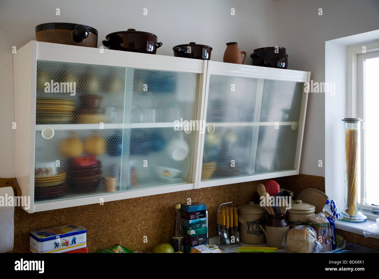 Retro Fifties Style Kitchen Cabinets Stock Photo 25339413 Alamy