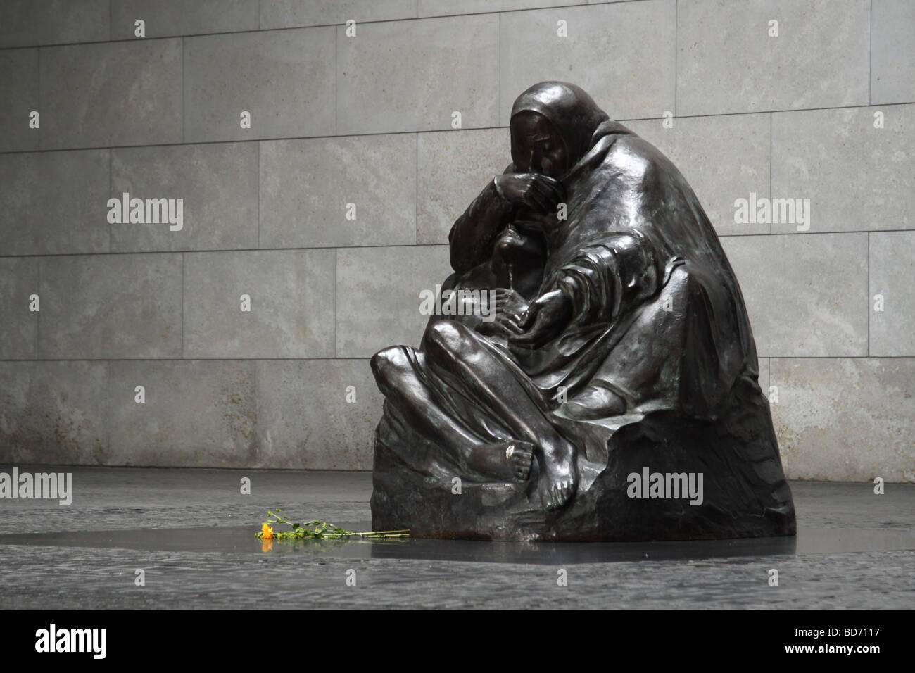 Pieta by Kaethe Kollwitz. New Guard House. The Mahnmal Memorial to the victims of war and tyranny, Berlin, Germany. - Stock Image