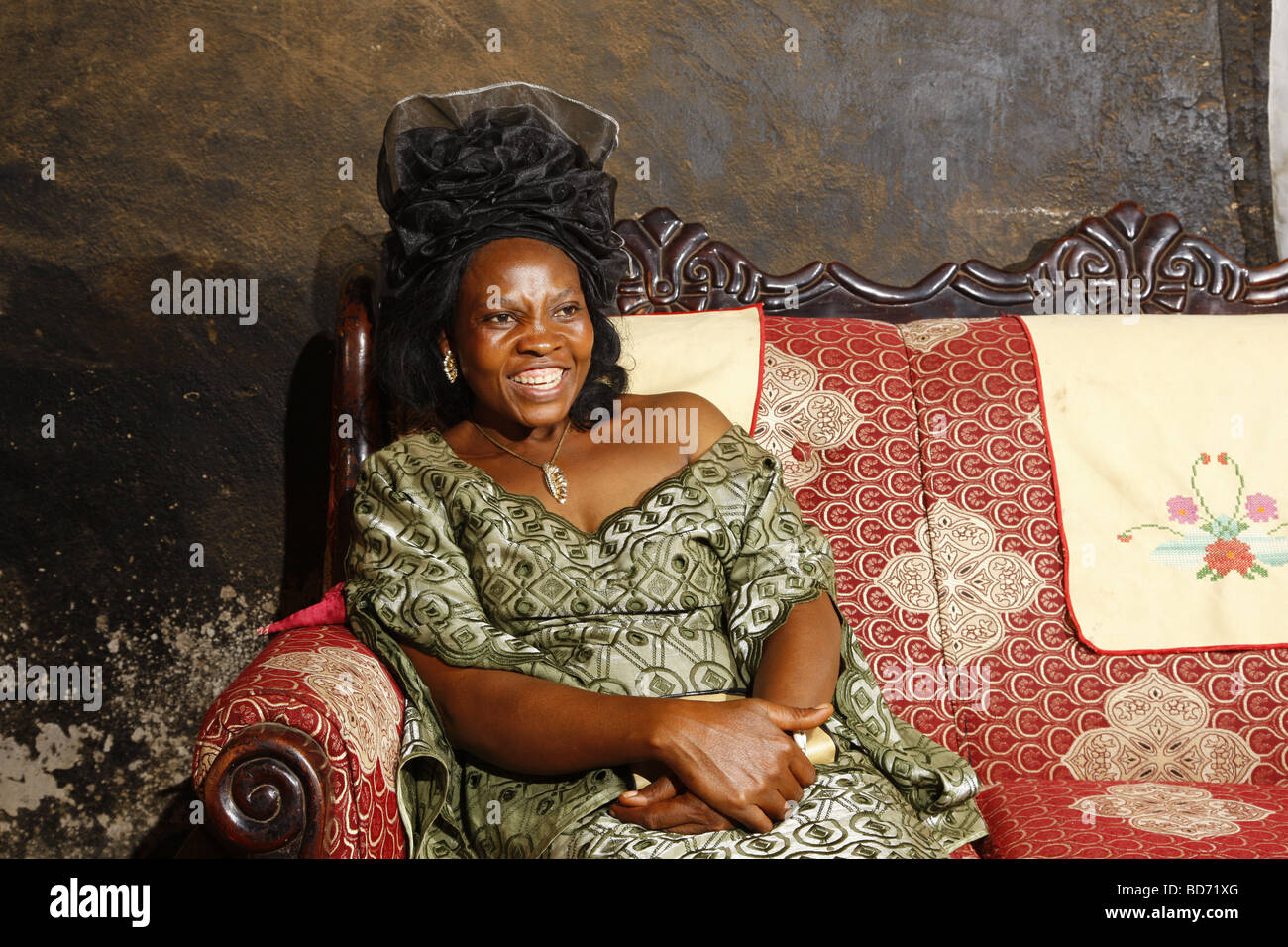 Princess Constance, one of the six wives of the Fon, chief farmstead, Bafut, West Cameroon, Cameroon, Africa - Stock Image