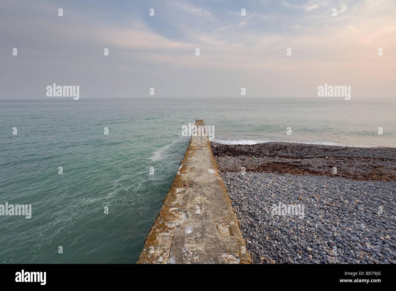 seascape with groyne - Stock Image