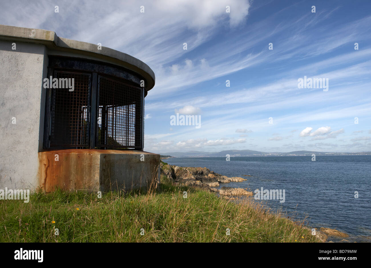 old world war two searchlight station at grey point attached to grey point fort in belfast lough - Stock Image
