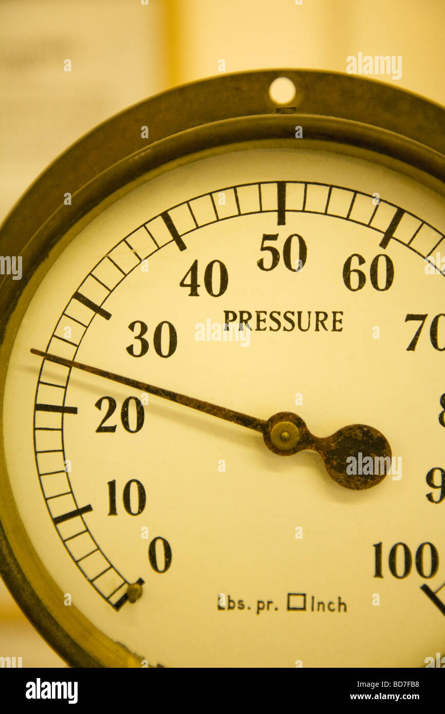 Old pressure gauge pounds per square inch - Stock Image
