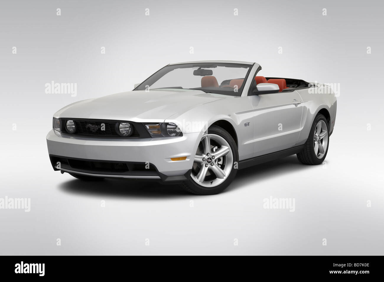 Mustang Gt Stock Photos Images Alamy 1983 Ford Engine 2010 In Silver Front Angle View Image