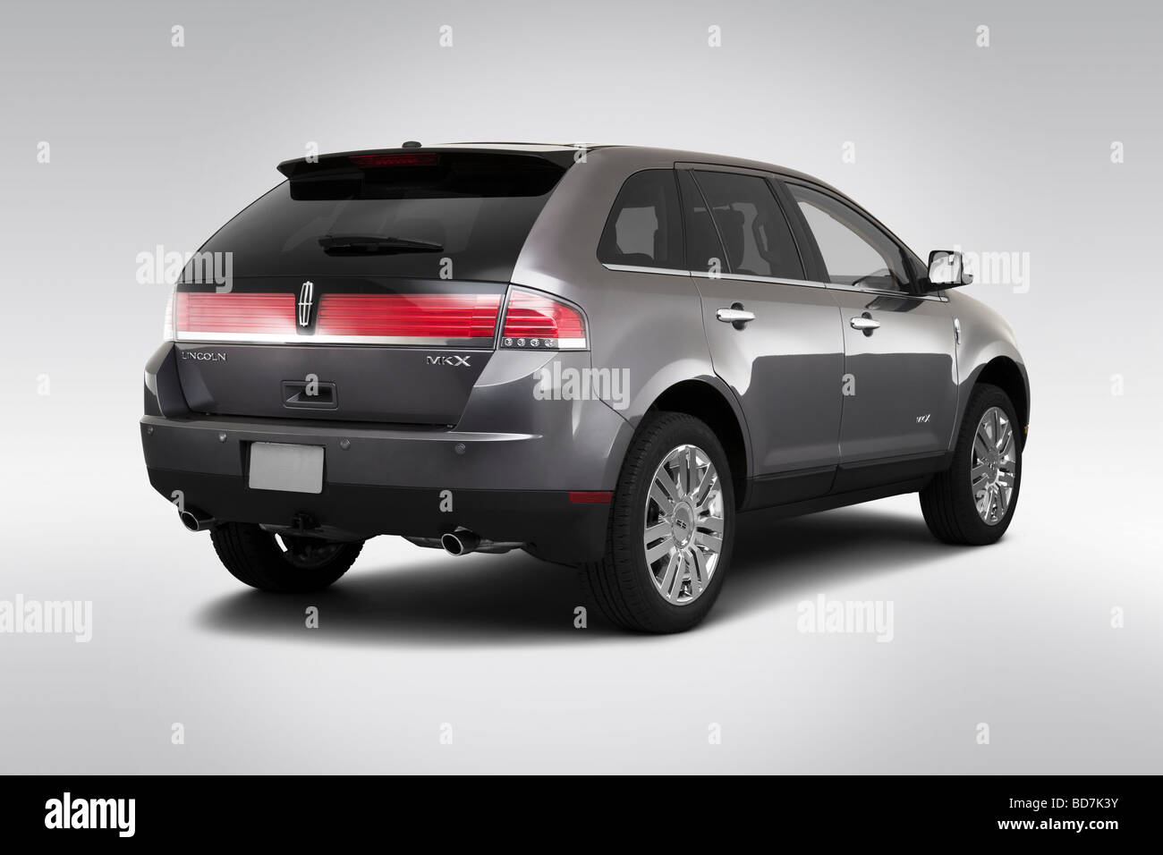 interior reviews price drive features sedan mkz mkx lincoln driver front wheel side base photos