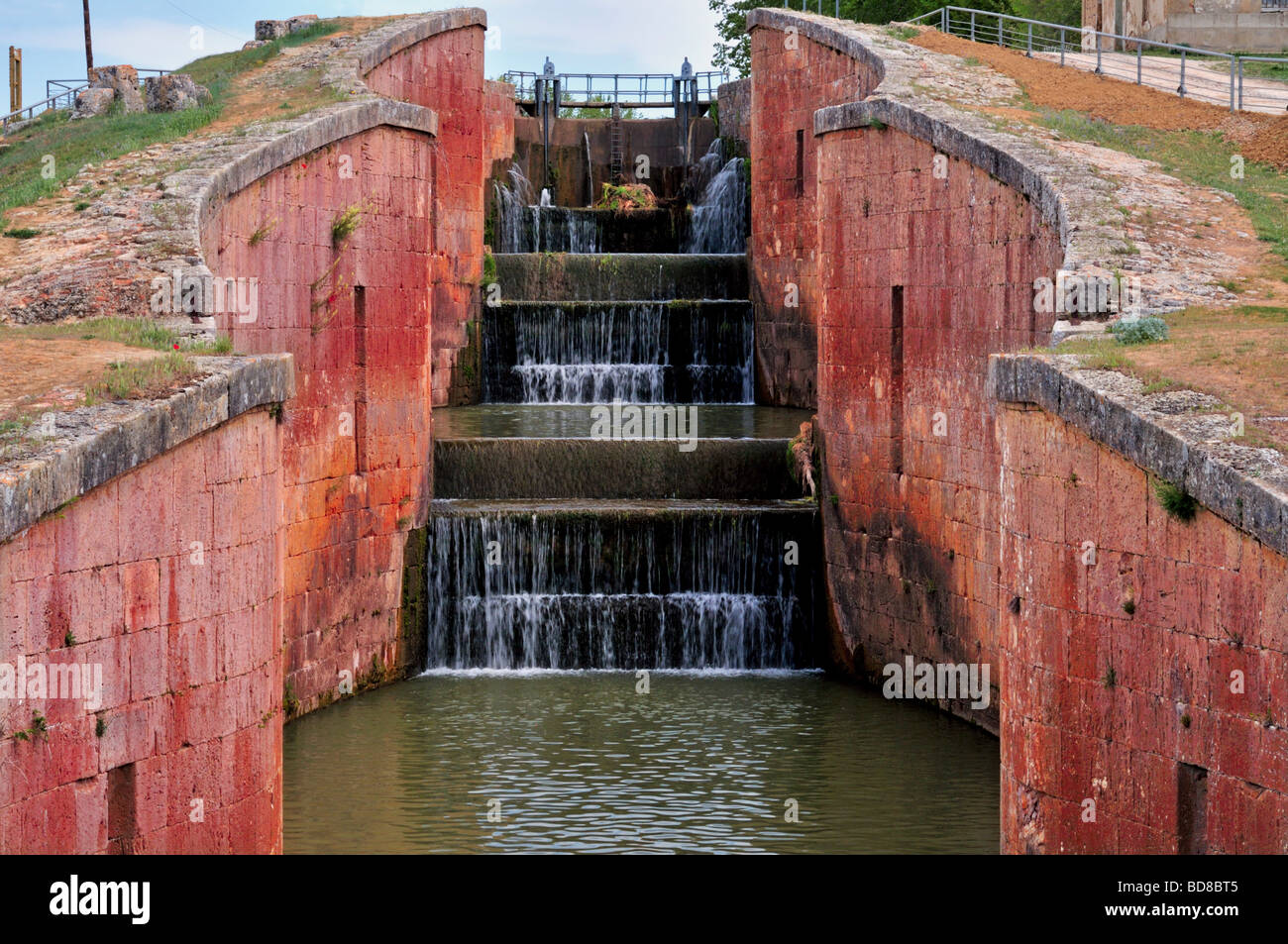 Spain, St. James Way: Canal de Castilla in Fromista - Stock Image