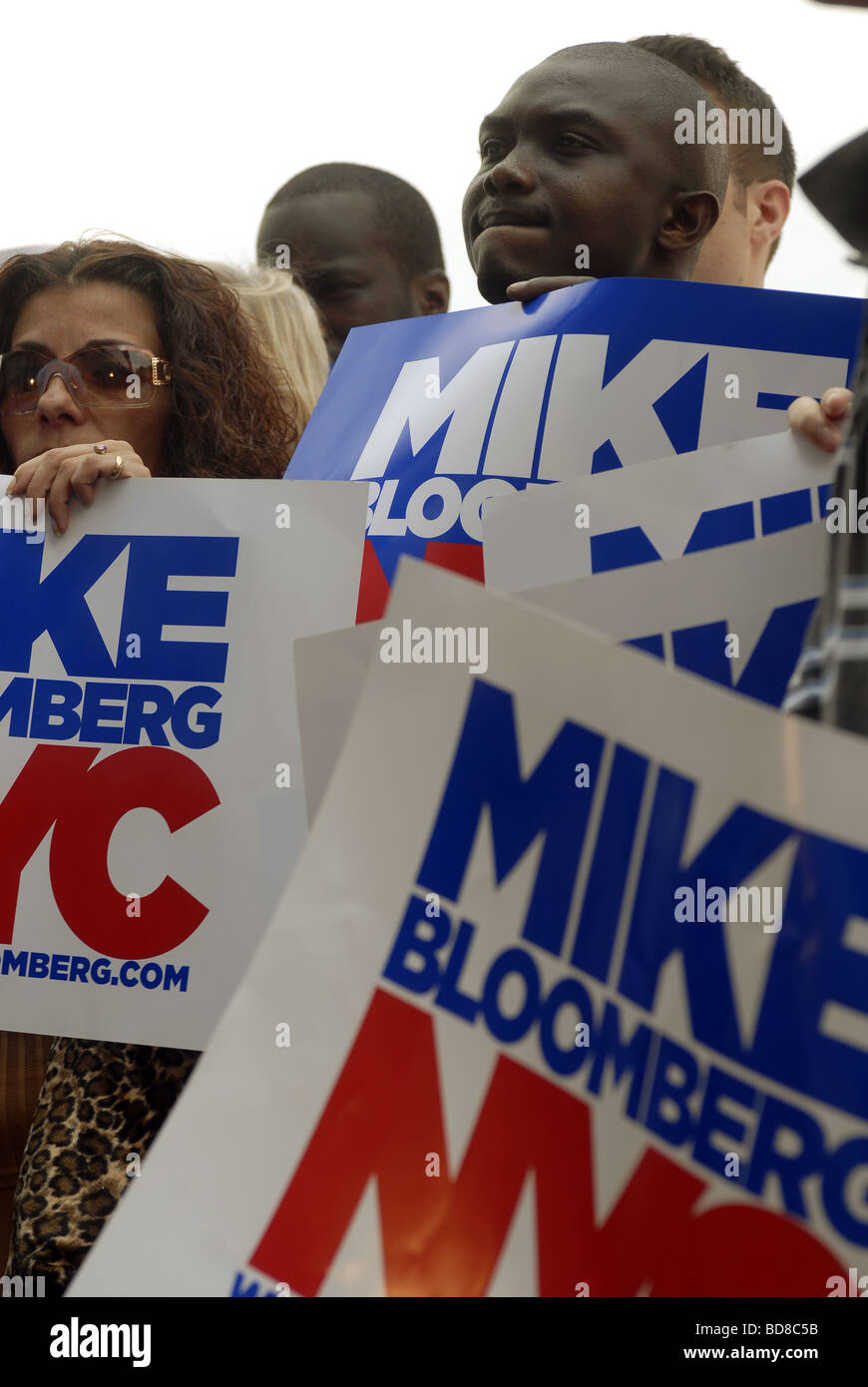 Supporters of New York Mayor Mike Bloomberg at a press conference - Stock Image