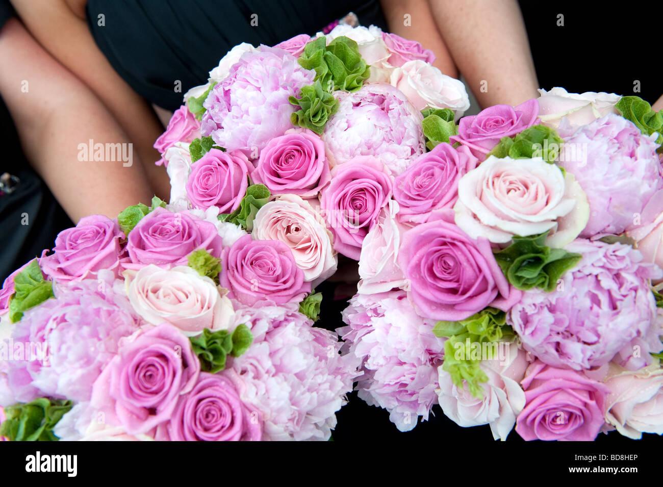 Bridesmaids flowers Stock Photo: 25390254 - Alamy