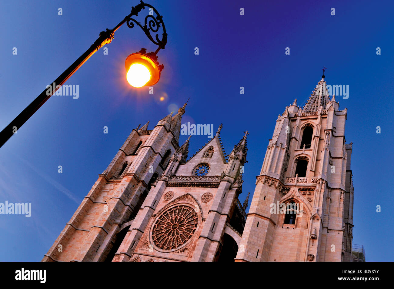 Spain, St. James Way: Nocturnal illumination of the Cathedral of Leon - Stock Image
