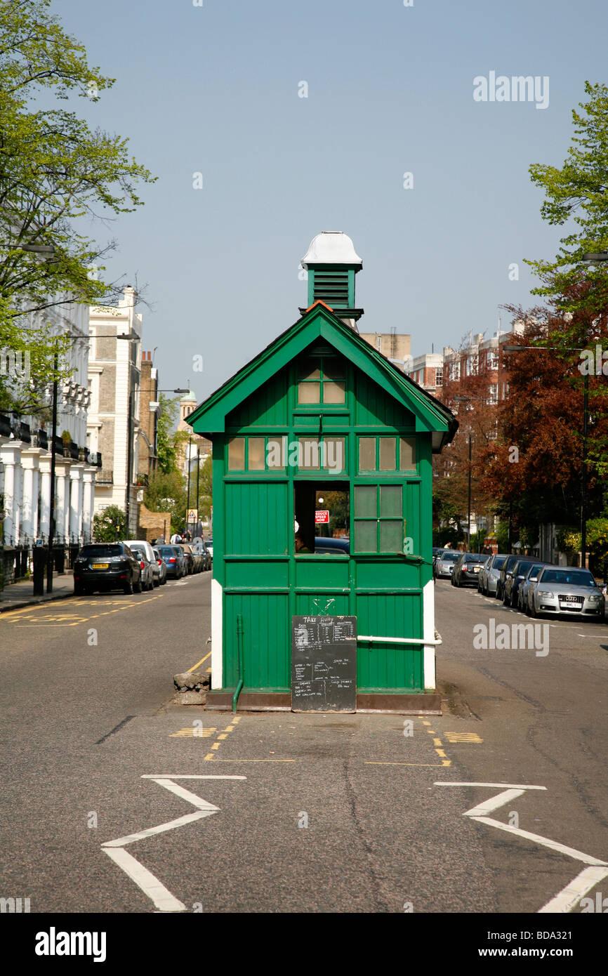 Cabbies shelter on Kensington Park Road, Notting Hill, London, UK - Stock Image