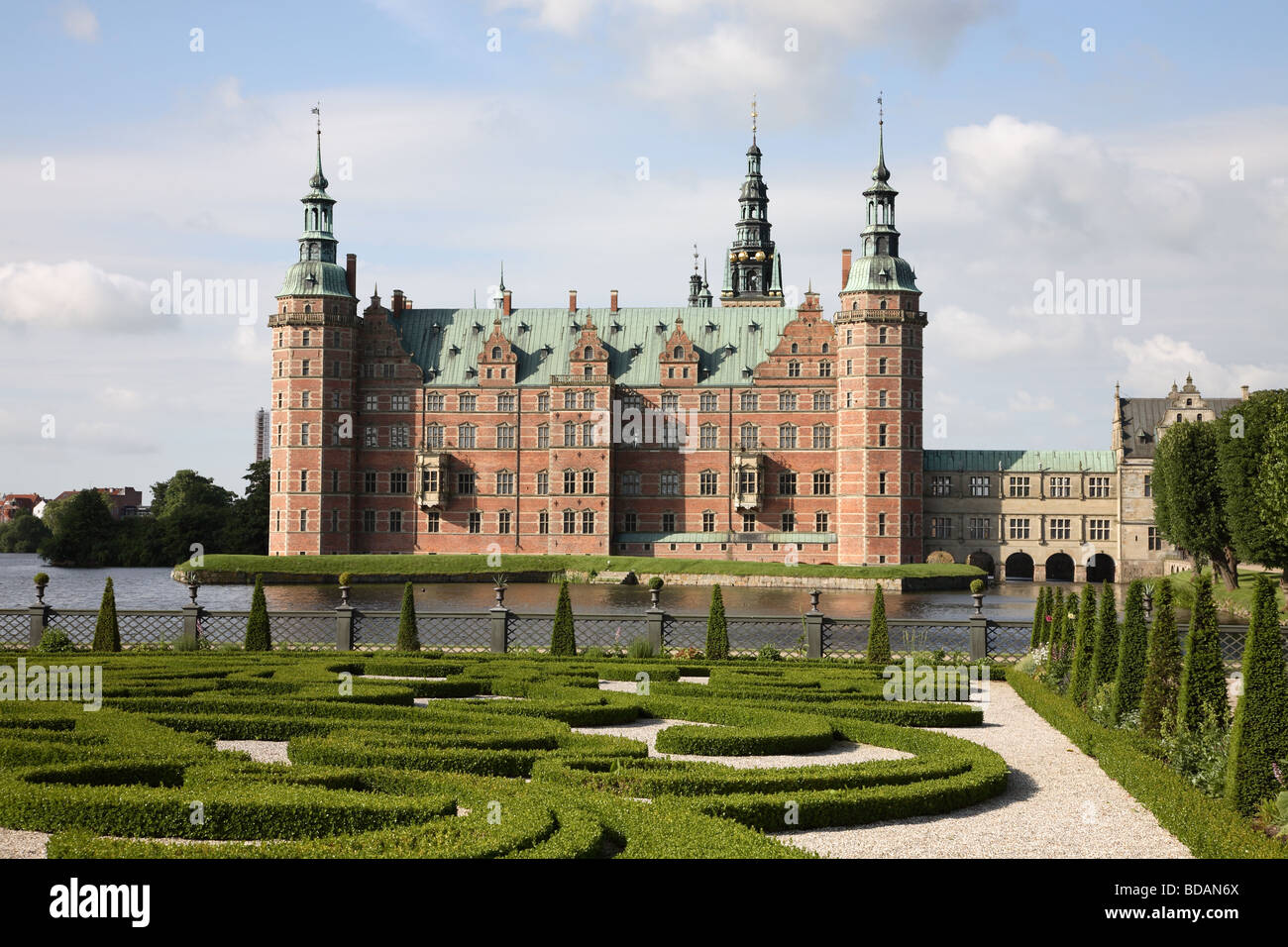 The Frederiksborg Castle in Dutch Renaissance style and the baroque garden in Hillerød near Copenhagen, Denmark. - Stock Image