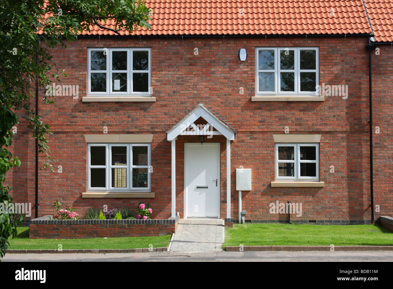A new build house in the village of Shelford, Nottinghamshire, England, U.K. - Stock Image